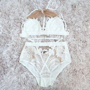 Intimates & Sleepwear - White lace and nude mesh lingerie set